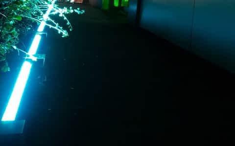 installation fixe intégrtion lumière éclairage leicht bidart LED devanture magasin façade illumination dci event