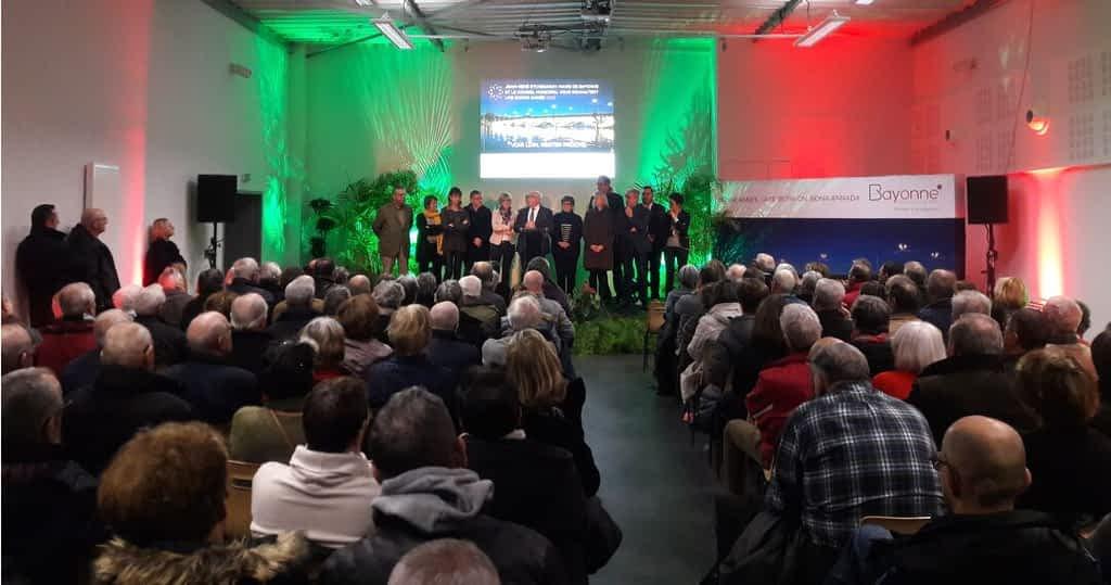 Sonorisation voeux du maire avec vidéoprojection et colorisation DCI event